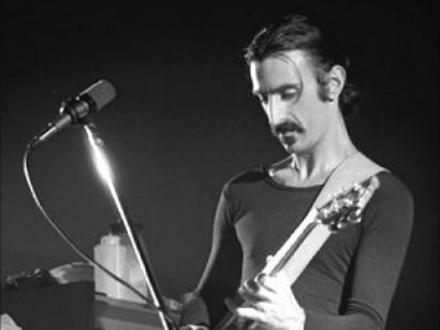 [Photograph] Frank Zappa in 1977 by Helge Øverås